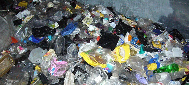 Indonesian City Accepts Plastics for Bus Ride